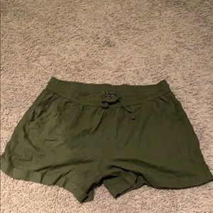 Forever21+ army green shorts!